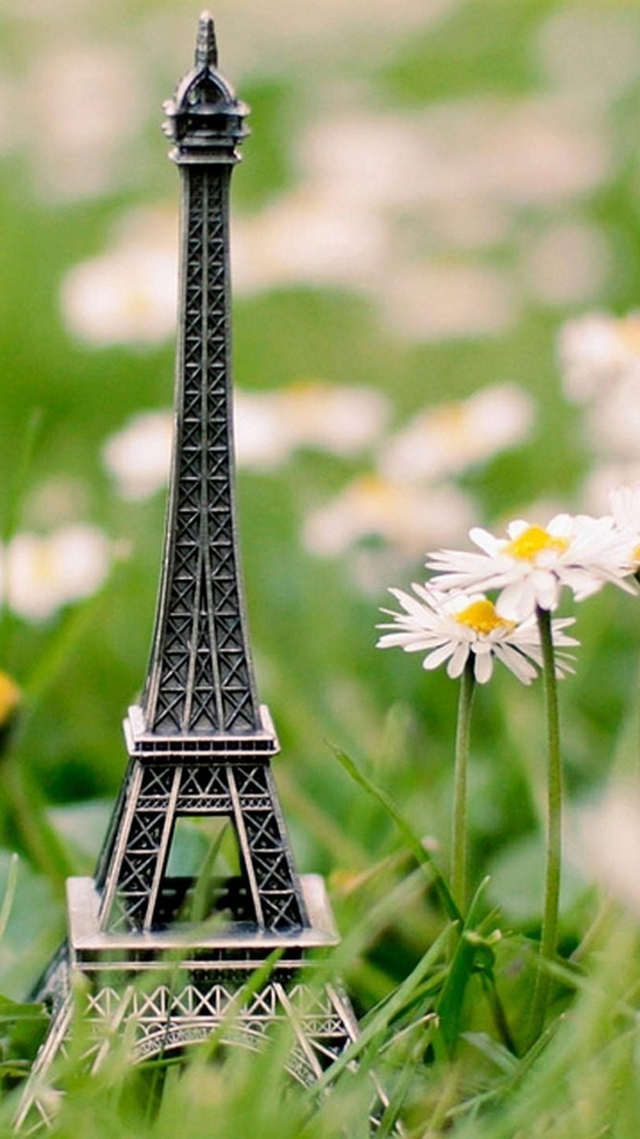 Gambar Wallpaper Animasi Menara Eiffel Nature Cute