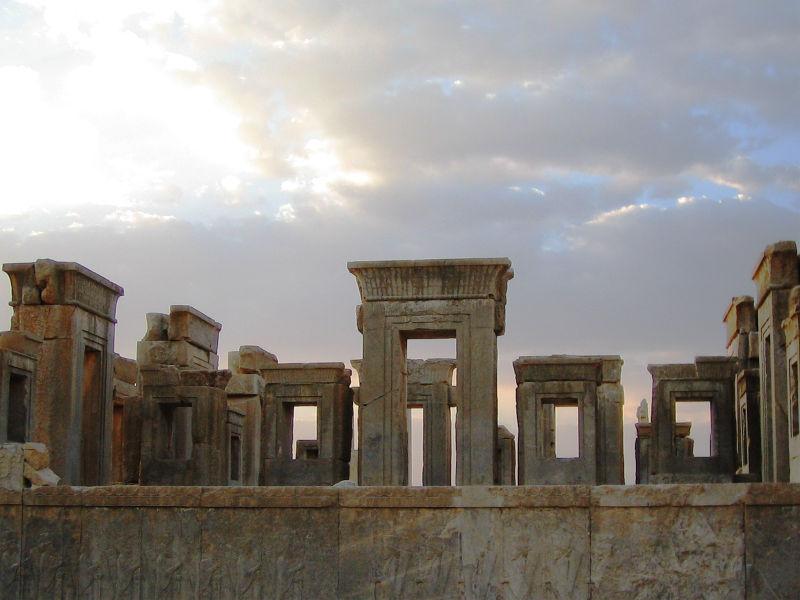 Persepolis Wallpaper Persepolis 1724116 Hd Wallpaper Backgrounds Download
