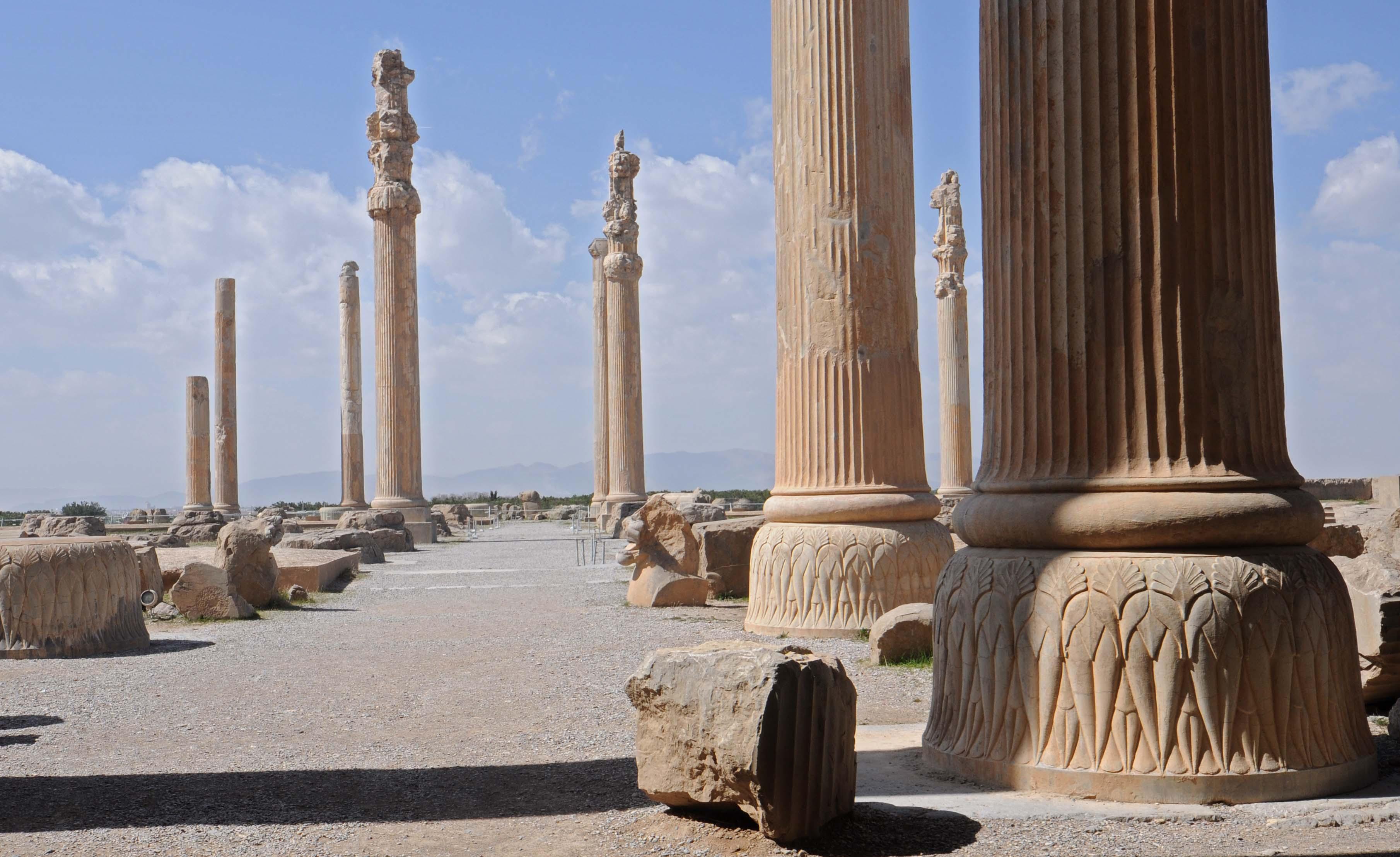 Persepolis 5 Column 1724213 Hd Wallpaper Backgrounds Download