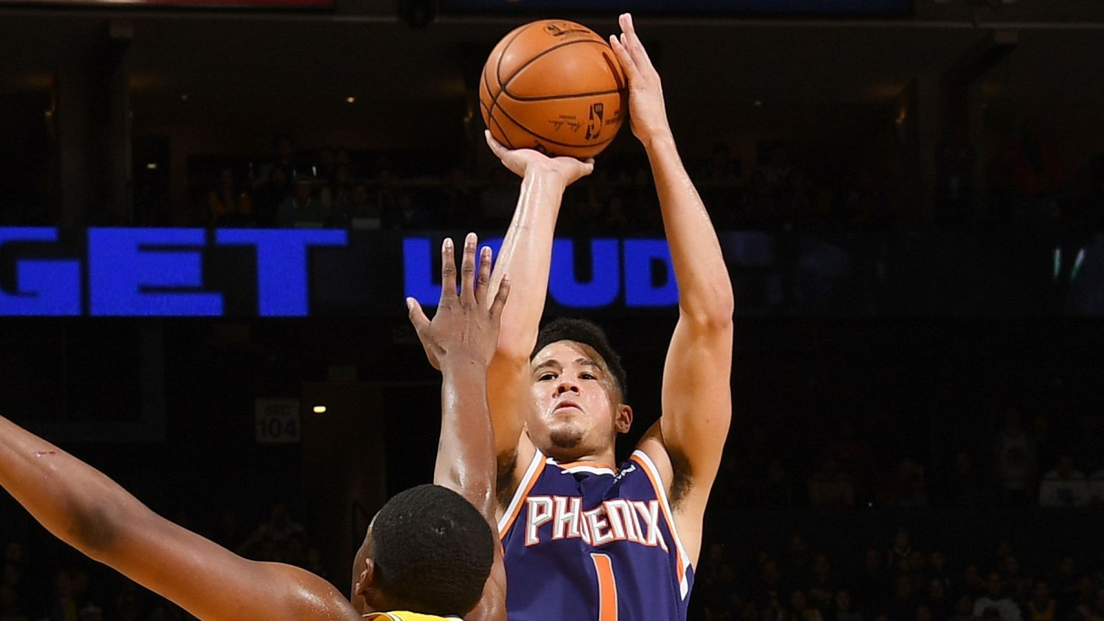 Devin Booker Stars With 37 Points In Phoenix Suns Victory - Basketball Moves , HD Wallpaper & Backgrounds
