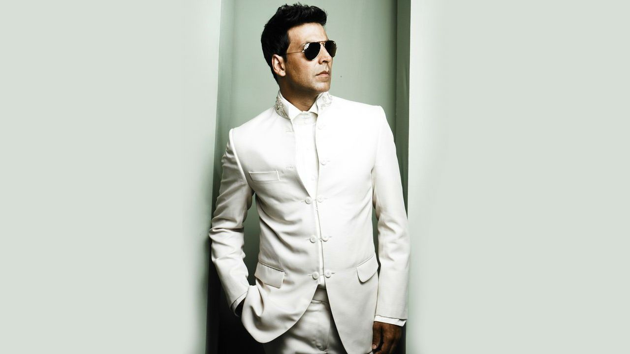 Actor Akshay Kumar Hd Wallpapers High Quality Stylish