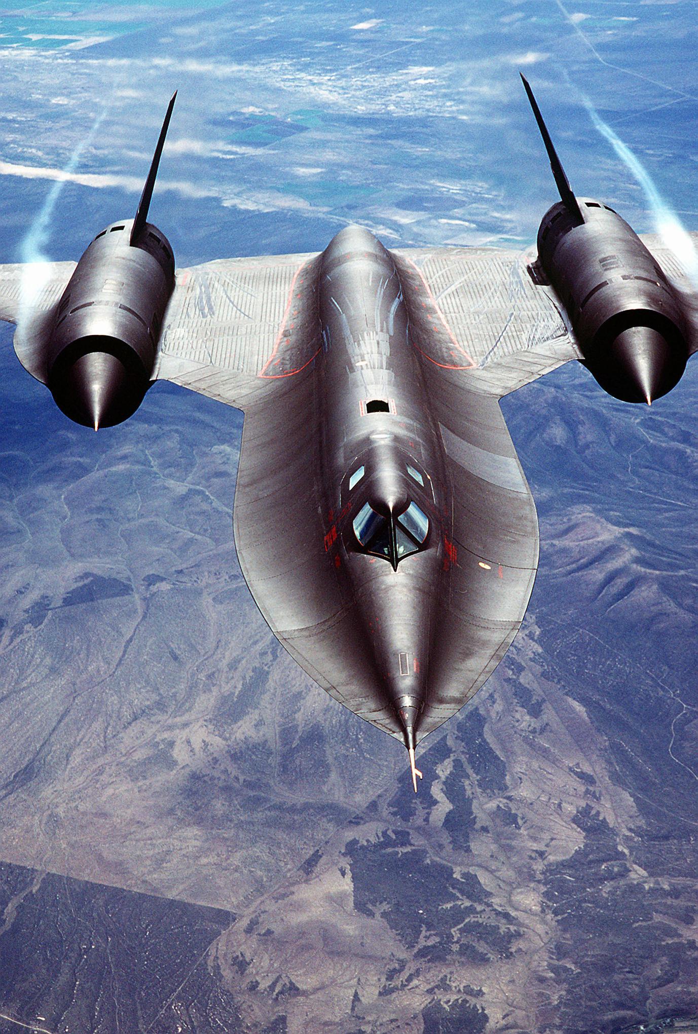 Flying The Worlds Fastest Plane Sr 71 Blackbird Phone