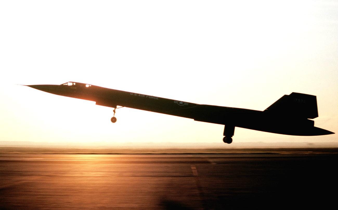Sr 71 Blackbird Sunset Lockheed Sr 71 Blackbird 1771205
