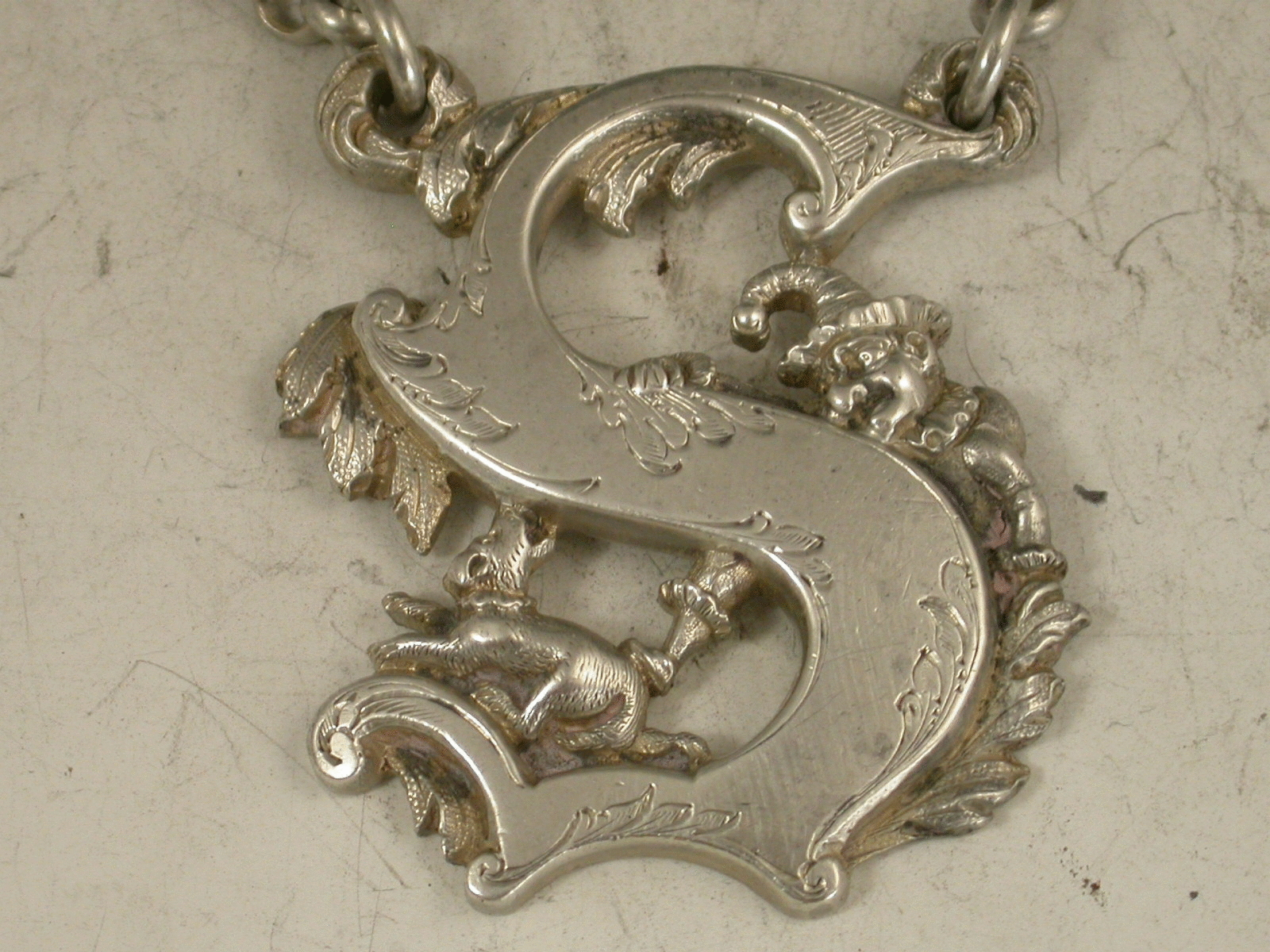 Mr Punch & Dog Toby Antique Silver Capital Letter 's' - S Capital Letter , HD Wallpaper & Backgrounds