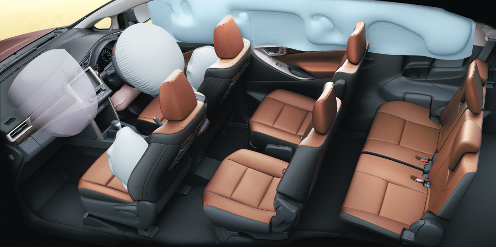 View Full Size - Toyota Innova Crysta Interior , HD Wallpaper & Backgrounds