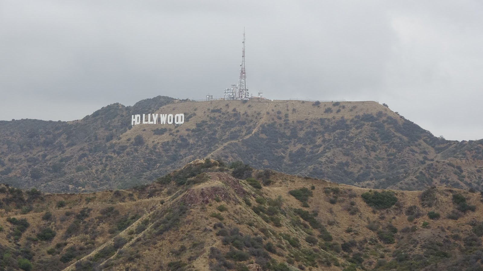 The Hollywood Sign Is One Of Los Angeles's Most Famous - Hollywood Sign , HD Wallpaper & Backgrounds