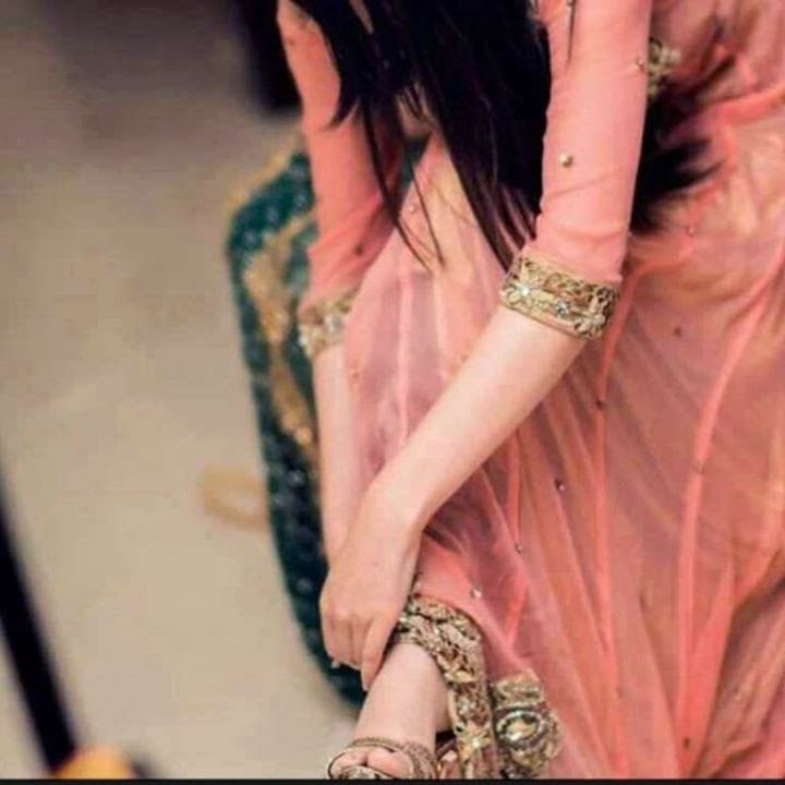 Awesome Stylish Fb Girl Dp - Whatsapp Profile Pic Hand , HD Wallpaper & Backgrounds