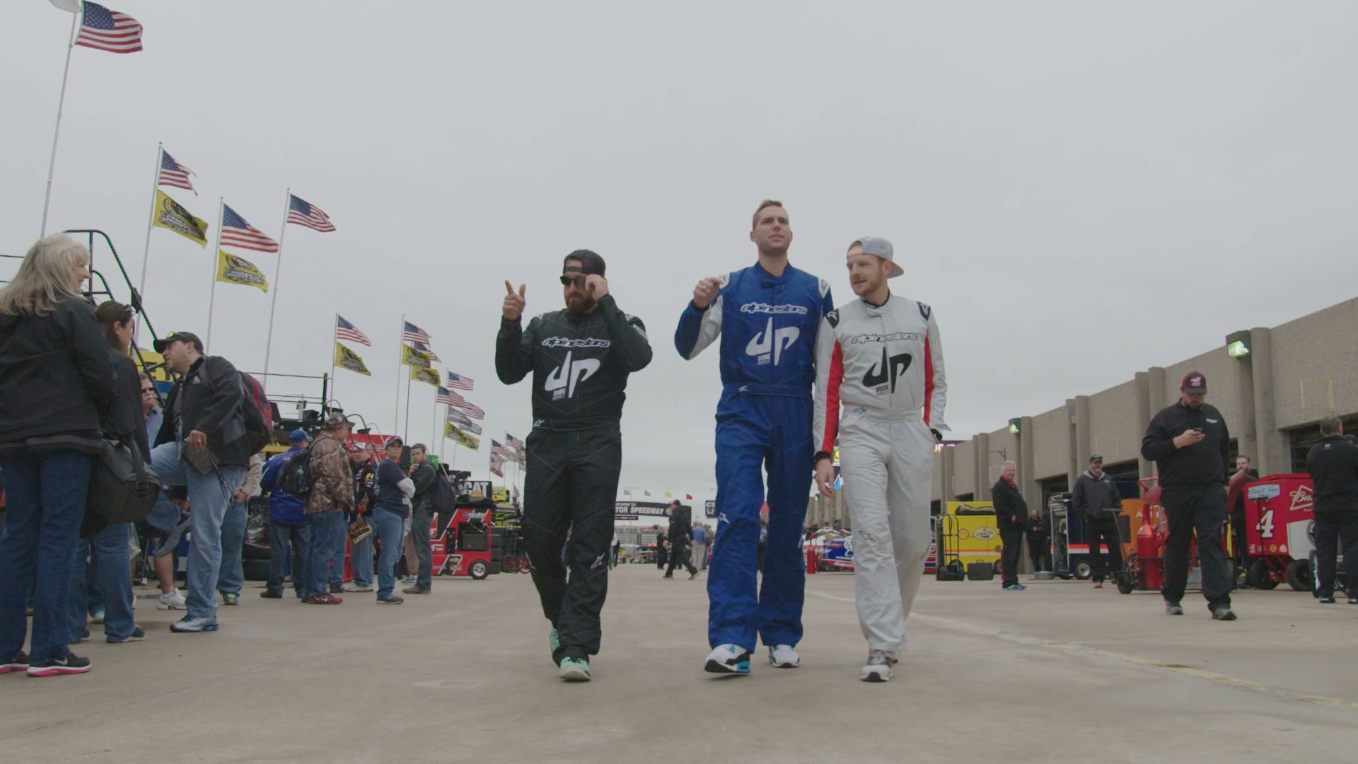 The Dude Perfect Show - Crew , HD Wallpaper & Backgrounds