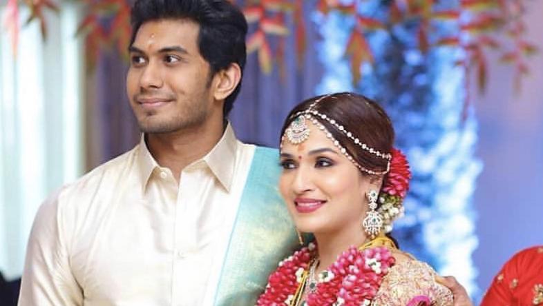 Indian Superstar Rajinikanth's Daughter Gets Married - Rajinikanth Daughter Second Marriage , HD Wallpaper & Backgrounds