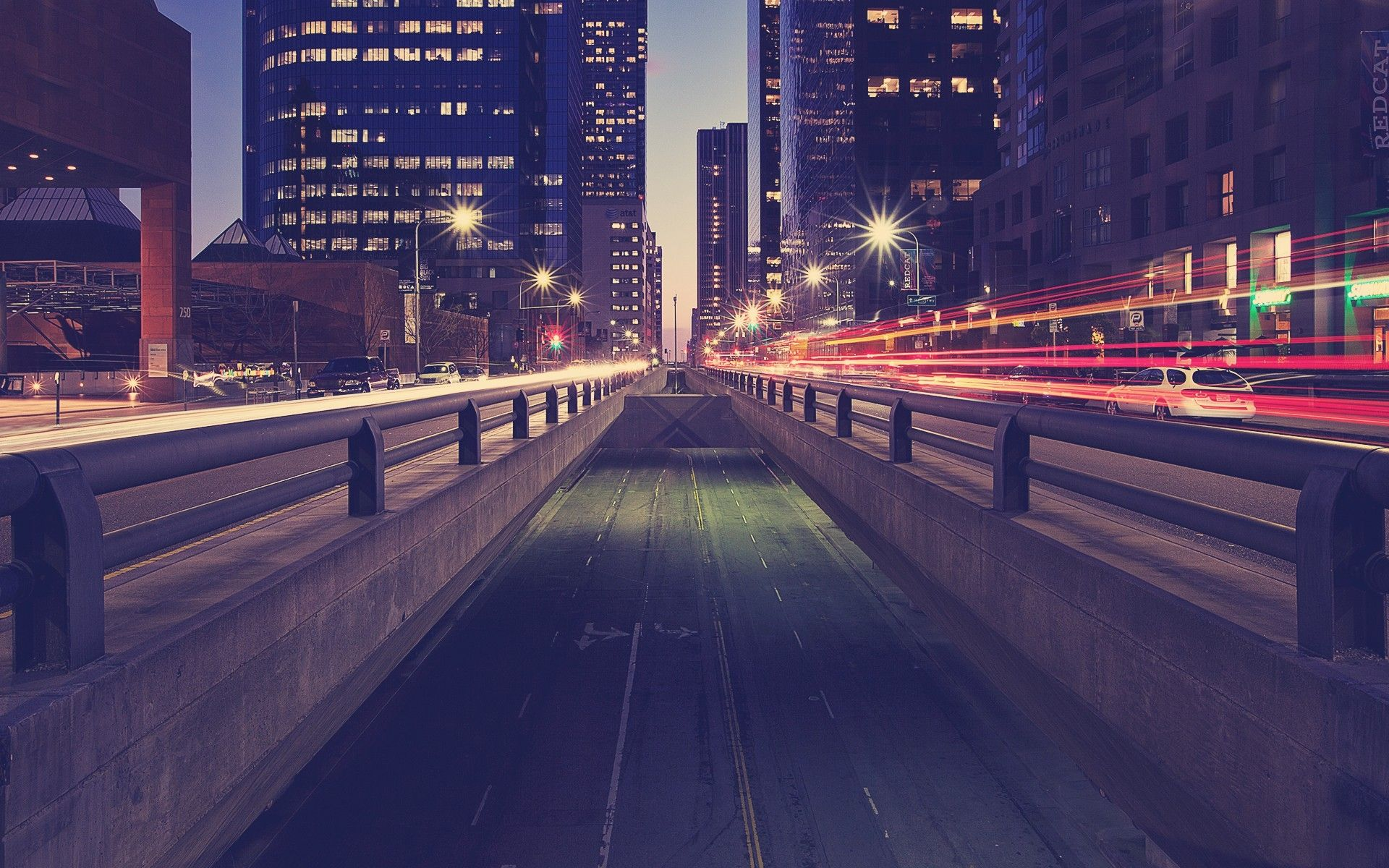 Download Wallpaper Road, Traffic, Night, City Lights - Night City Road Backgrounds , HD Wallpaper & Backgrounds