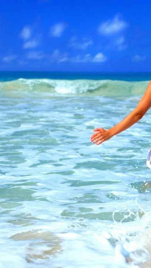 Girls Bikini Beach Summer Wallpapers - Beach Girl Wallpaper Iphone , HD Wallpaper & Backgrounds