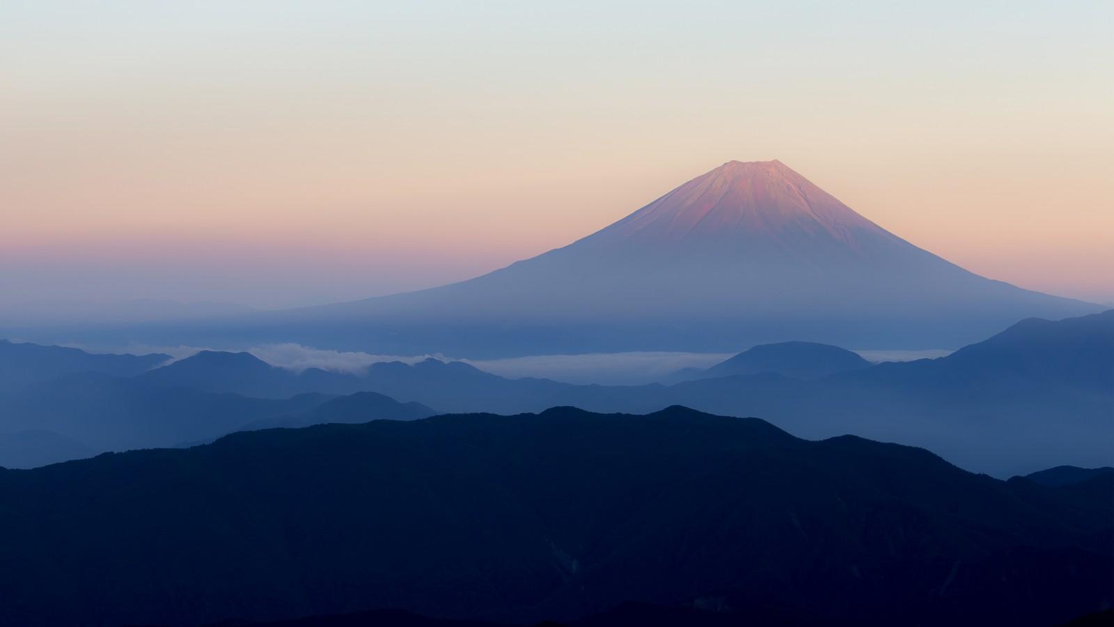 Mount Fuji Japan 4k Wallpaper - Kataoka Jewelry And Objets D'art , HD Wallpaper & Backgrounds