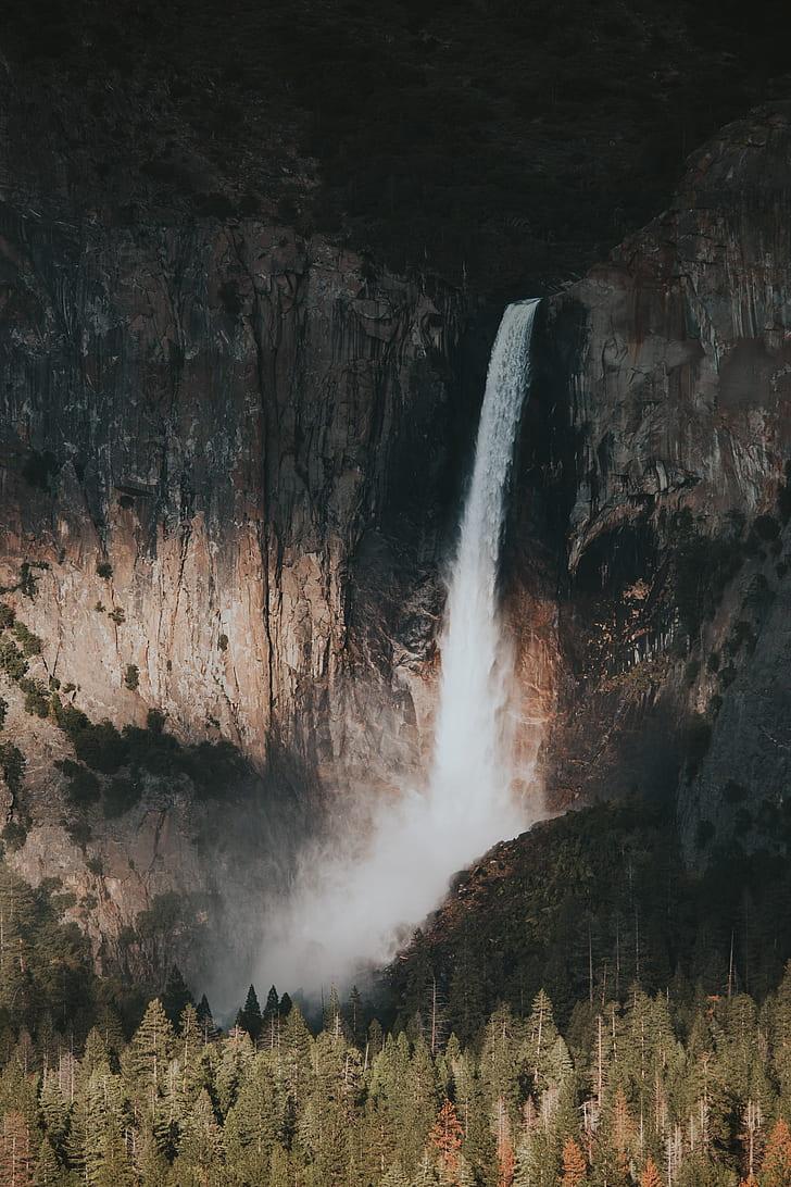 Yosemite Falls, Waterfall Near Pine Trees At Daytime, - Yosemite National Park, Yosemite Valley , HD Wallpaper & Backgrounds