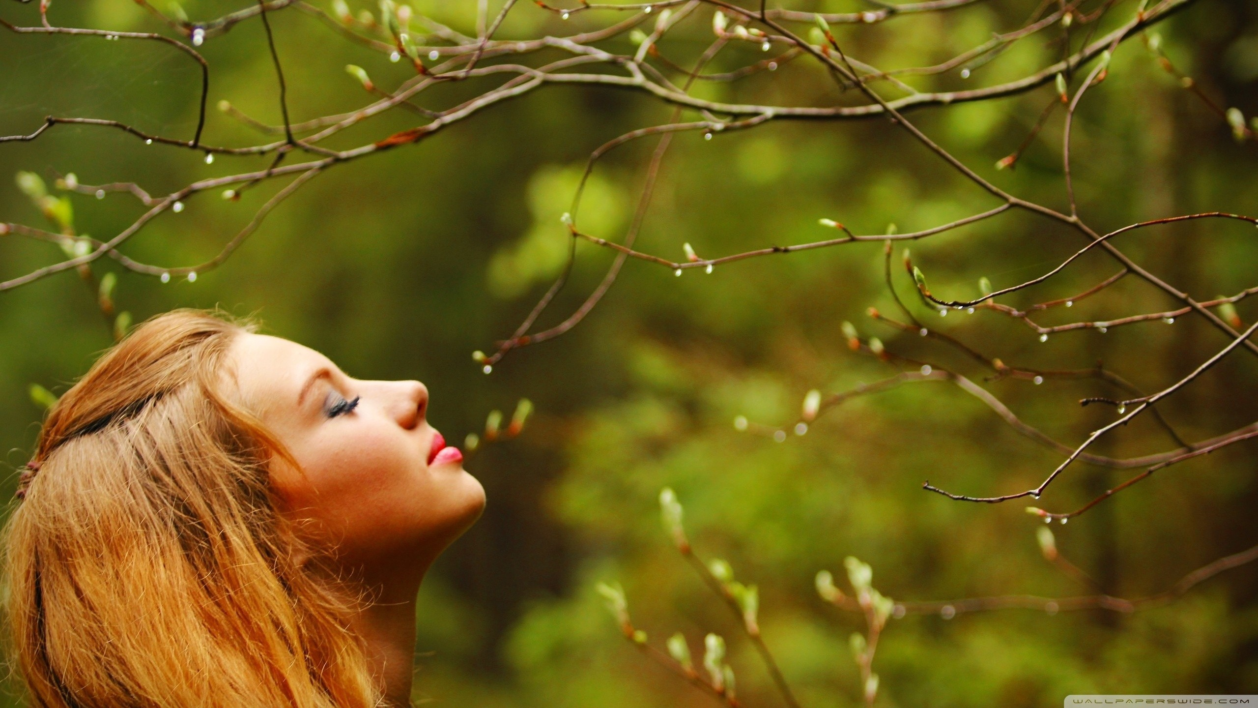 Girl With Eyes Closed Wallpapers And Images - Girls In Nature , HD Wallpaper & Backgrounds