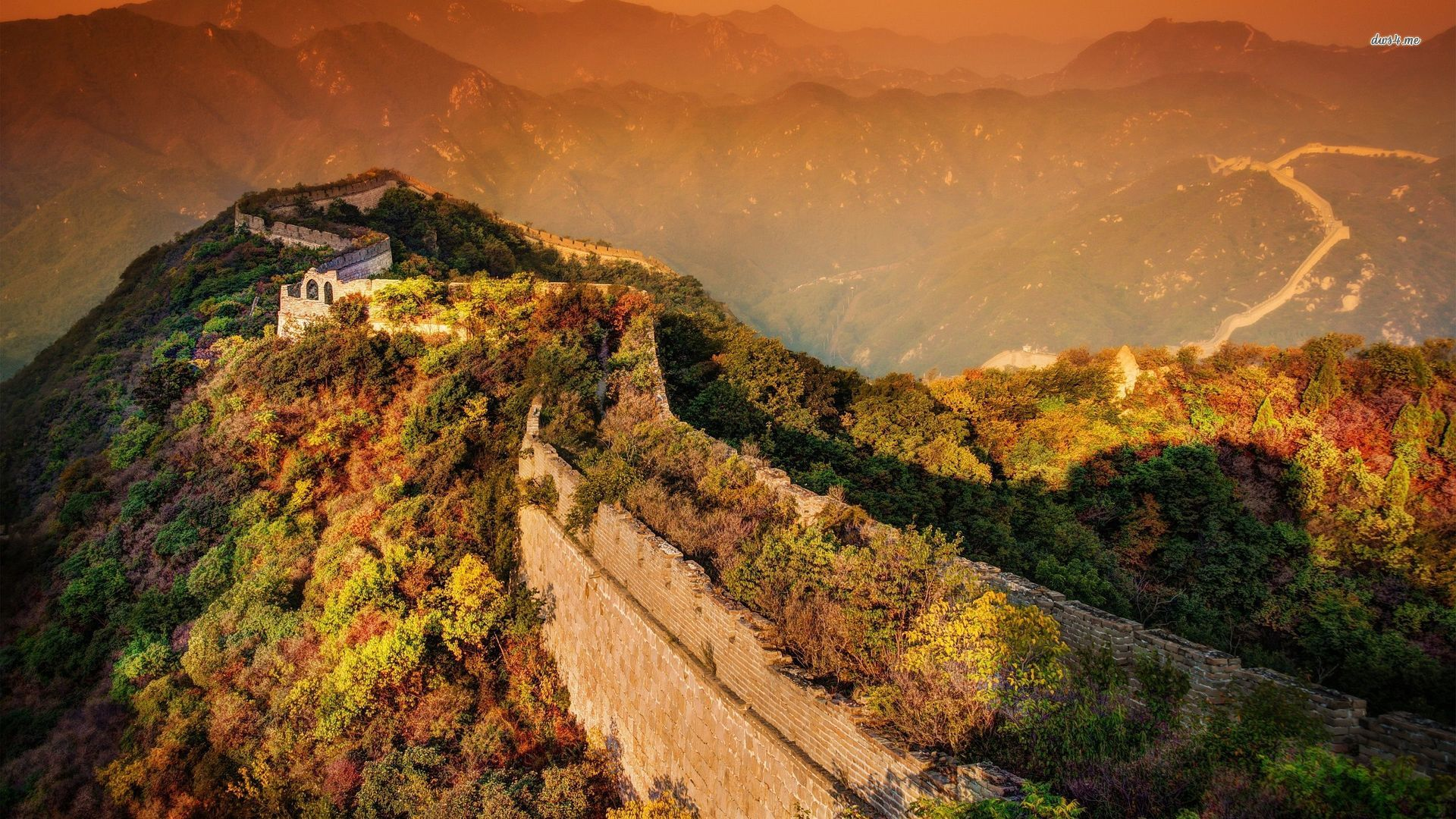 Autumn Nature Surrounding The Great Wall Of China Wallpaper - Great Wall Of China Uhd , HD Wallpaper & Backgrounds
