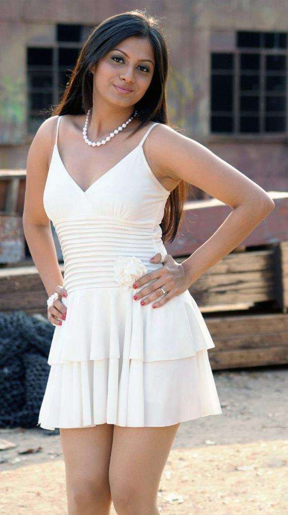 Hot Wallpaper Indian - Sindhu Tolani Tamil Actress Hot , HD Wallpaper & Backgrounds