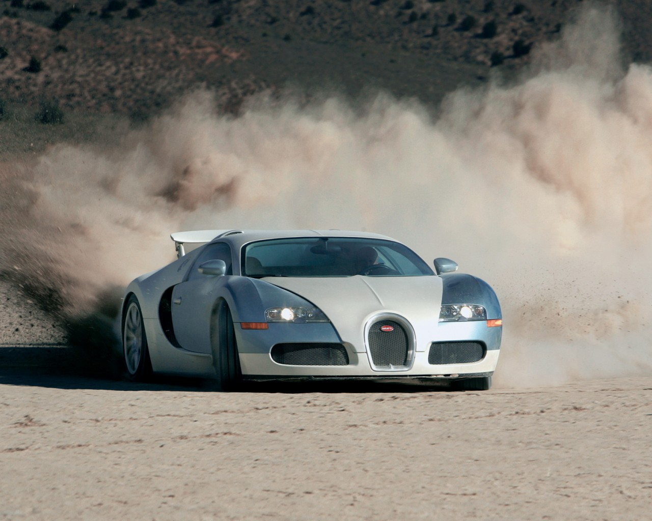 Bugatti Veyron - World First Fastest Car , HD Wallpaper & Backgrounds