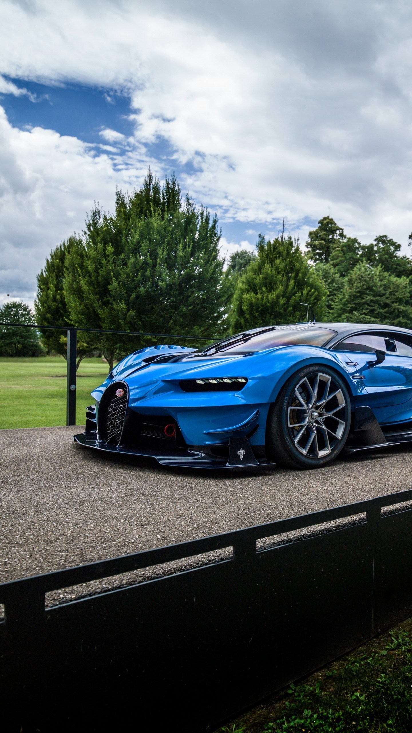 Wallpaper Bugatti Chiron Vision Gran Turismo 4k Ford Bugatti Chiron Wallpaper Iphone 1995071 Hd Wallpaper Backgrounds Download