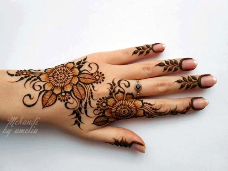 Mehndi Wallpaper Download - Beautiful Flowers Mehndi Design , HD Wallpaper & Backgrounds