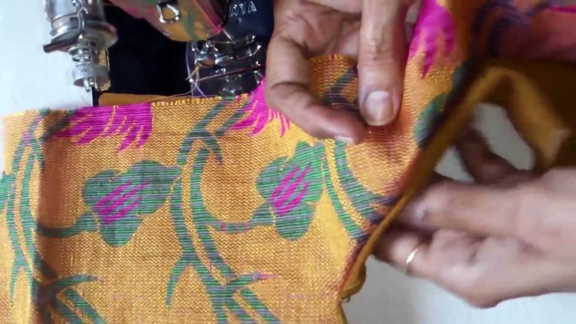 Simple And Easy Patch Work Blouse Neck Designs Cutting - Stitch , HD Wallpaper & Backgrounds