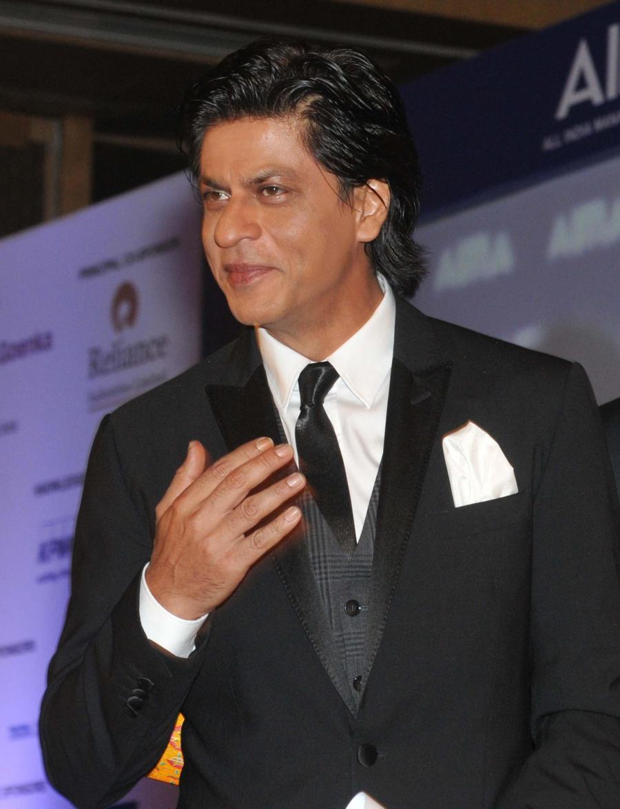 Download Shahrukh Khan In Black Suit Wallpaper Hd Free Srk