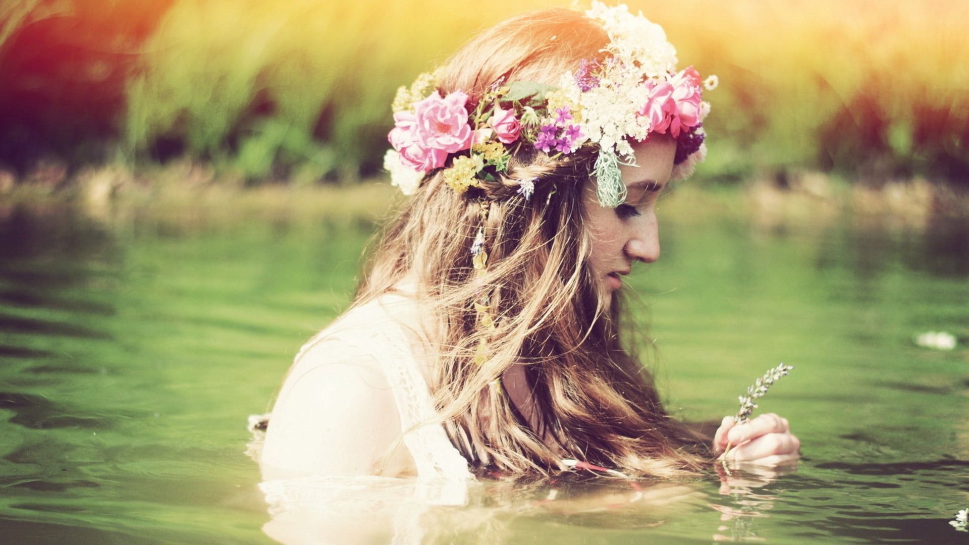 Girl With Flower In Water , HD Wallpaper & Backgrounds