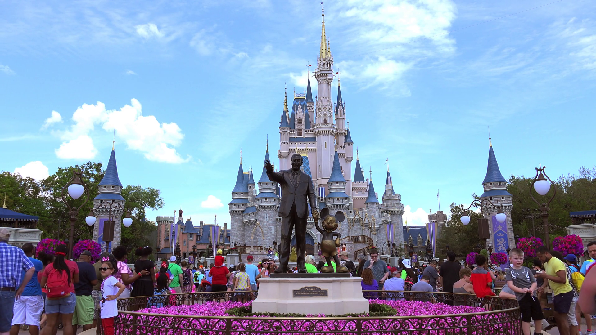 Magic Kingdom Park Disney World Cinderella Castle 2049520 Hd Wallpaper Backgrounds Download