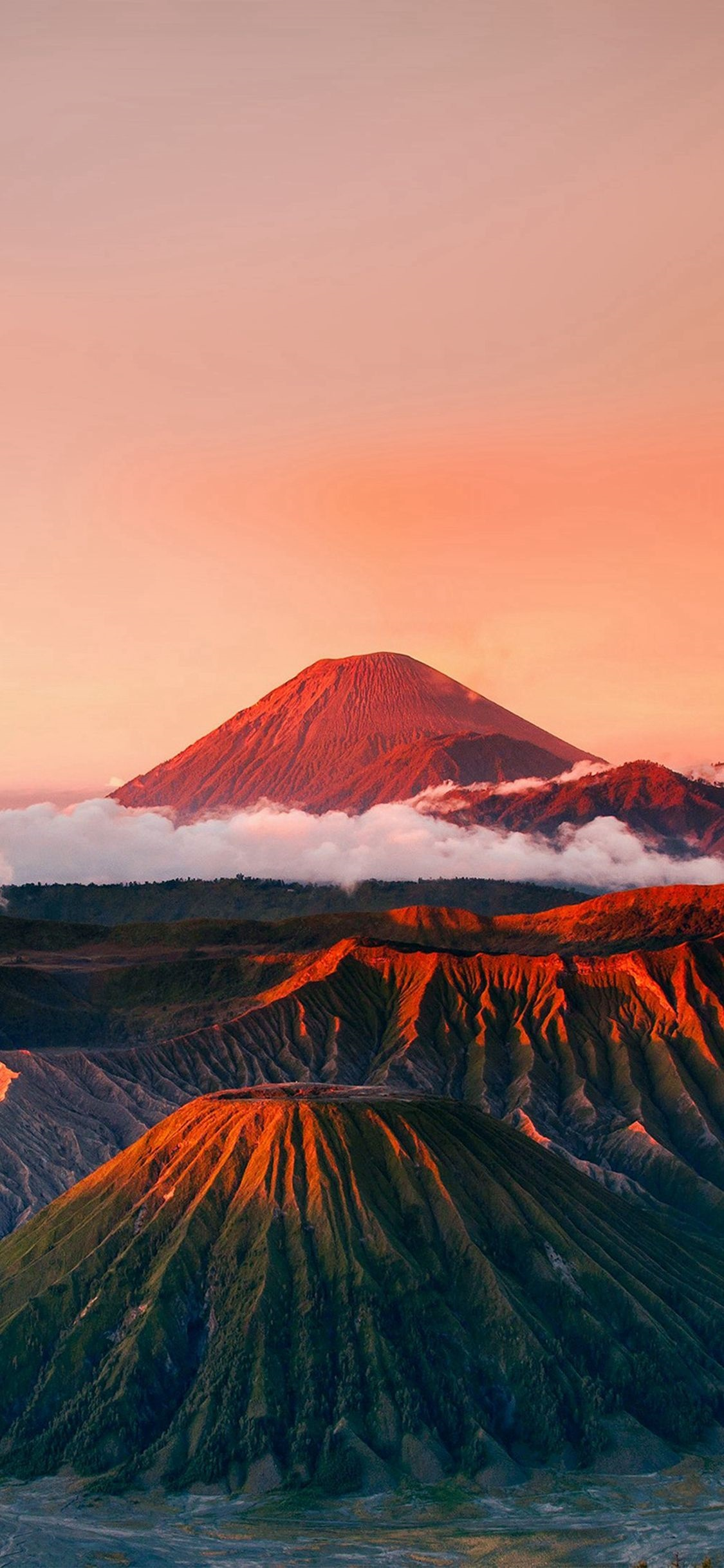 New Zealand Wallpaper For Iphone Mount Bromo 2066406 Hd Wallpaper Backgrounds Download