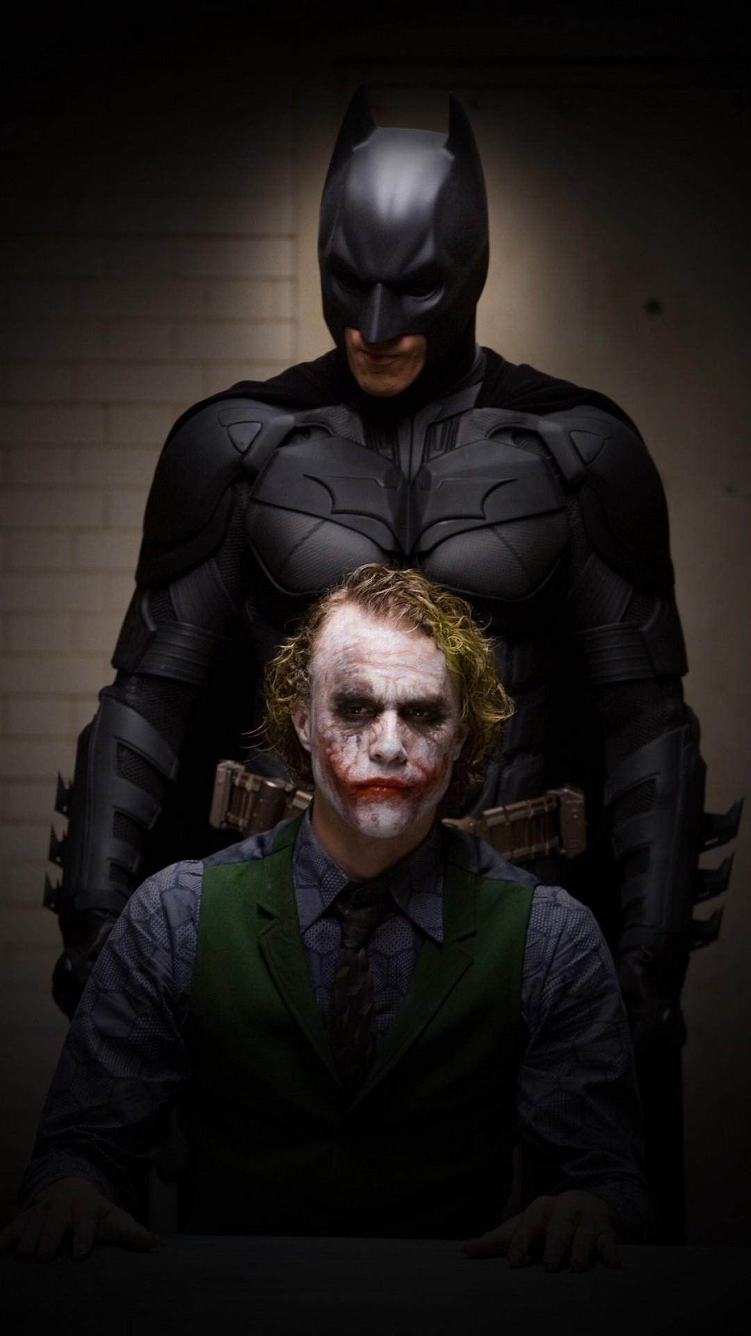 Joker And Batman Hd Wallpaper For Iphone Wallpaper - Batman Joker Iphone 6 , HD Wallpaper & Backgrounds