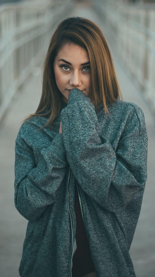 Model, Girl, Brunette, 4k - Street Wallpaper Hd Horizontal , HD Wallpaper & Backgrounds