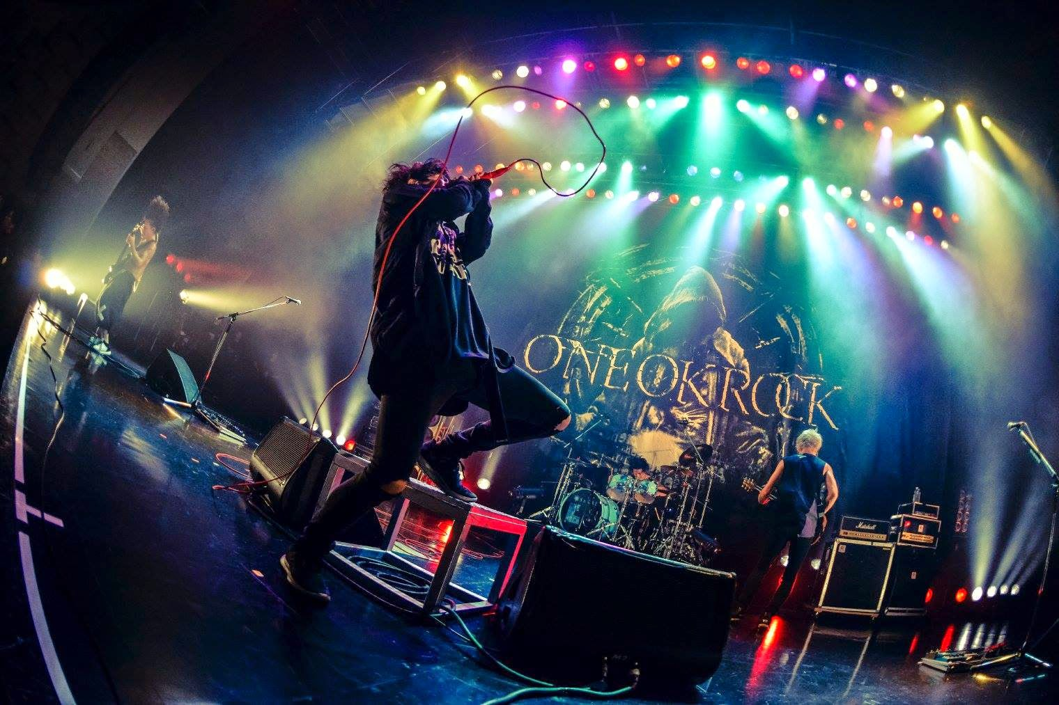 One Ok Rock One Ok Rock Stuck In The Middle Live Hd Wallpaper Backgrounds Download