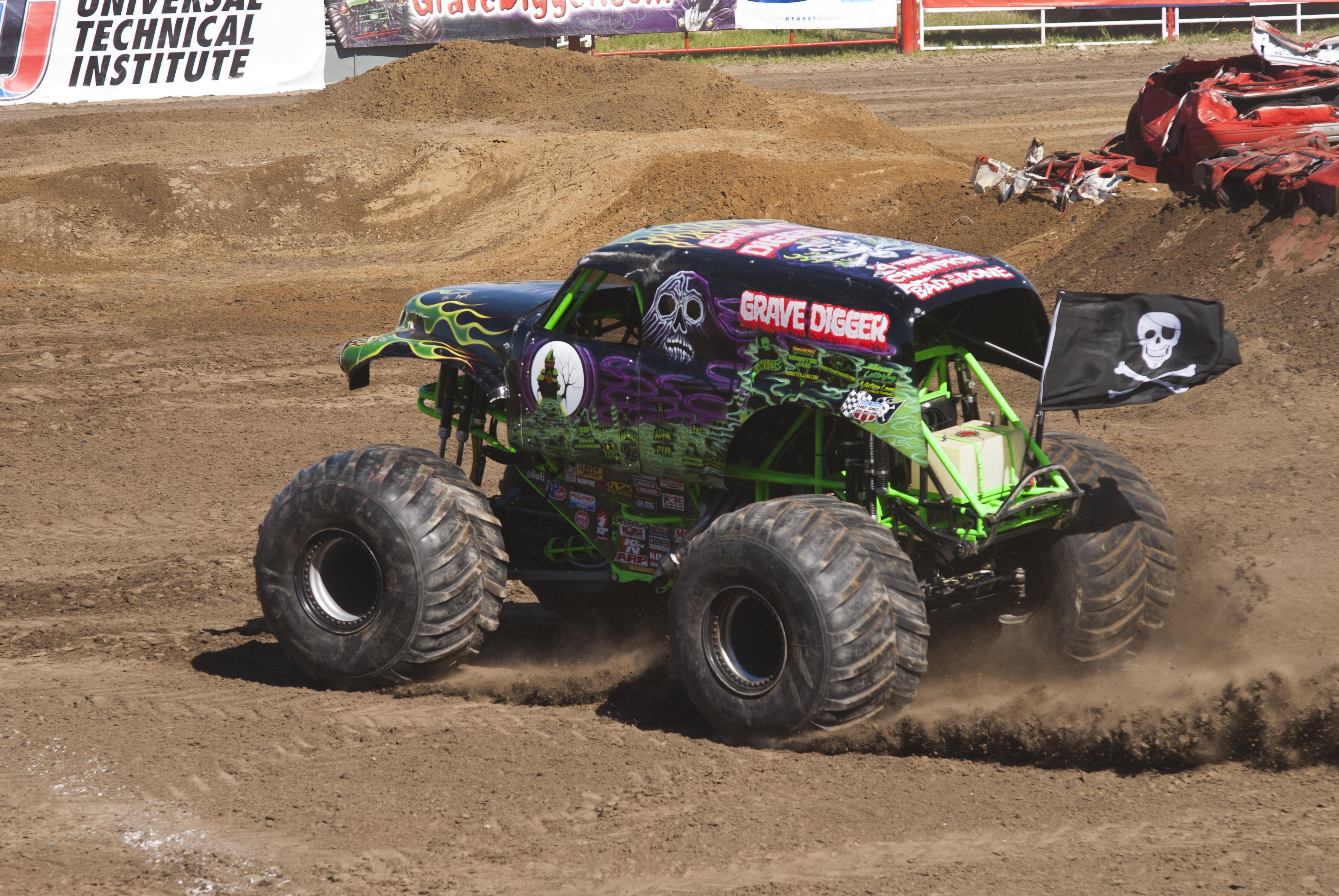 4x4, Monster, Monster Truck, Trucks, Wheel, Wheels - Off-roading , HD Wallpaper & Backgrounds