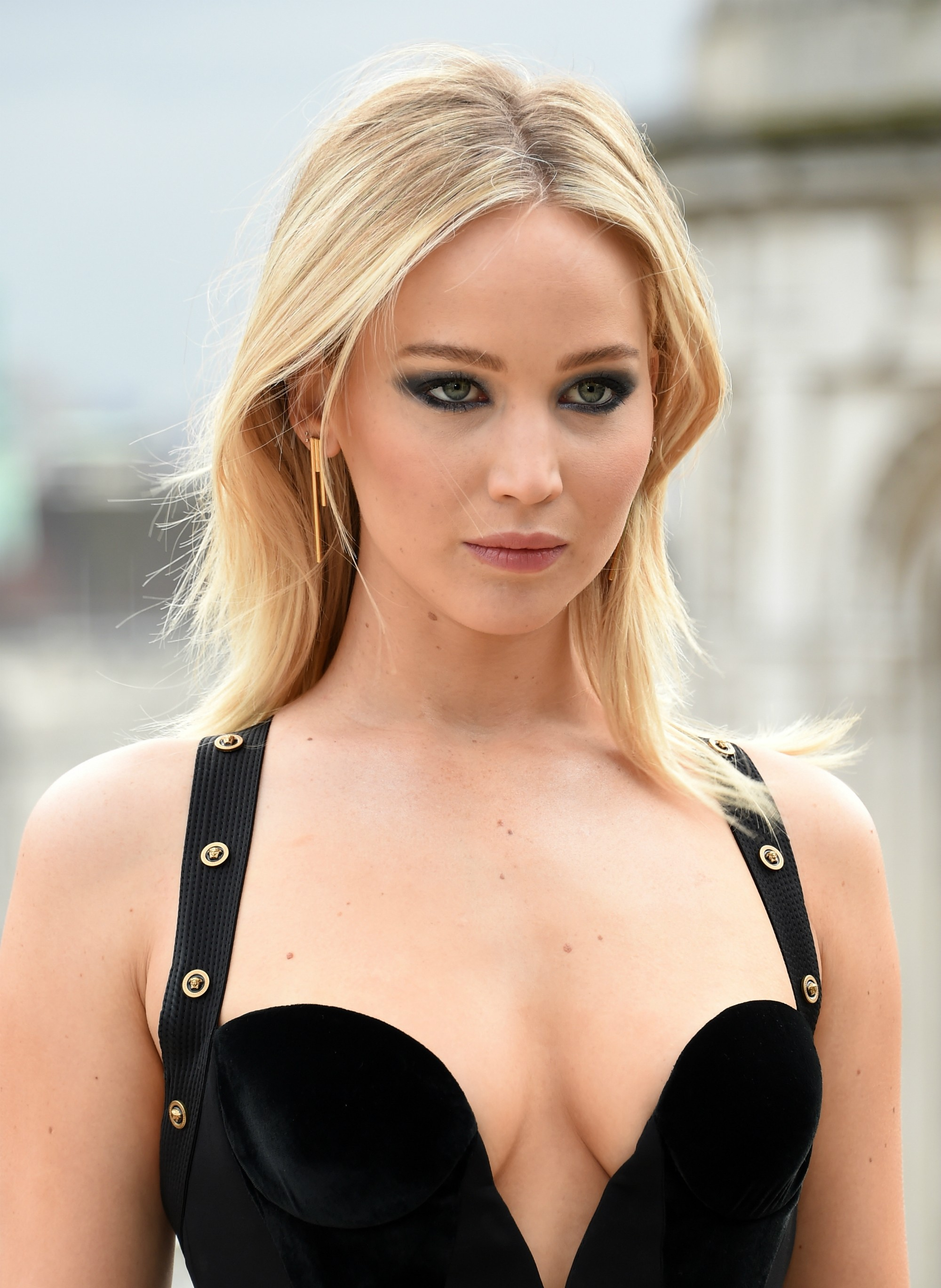 Jennifer Lawrence Reveals Her Body Insecurities While - Jennifer Lawrence , HD Wallpaper & Backgrounds
