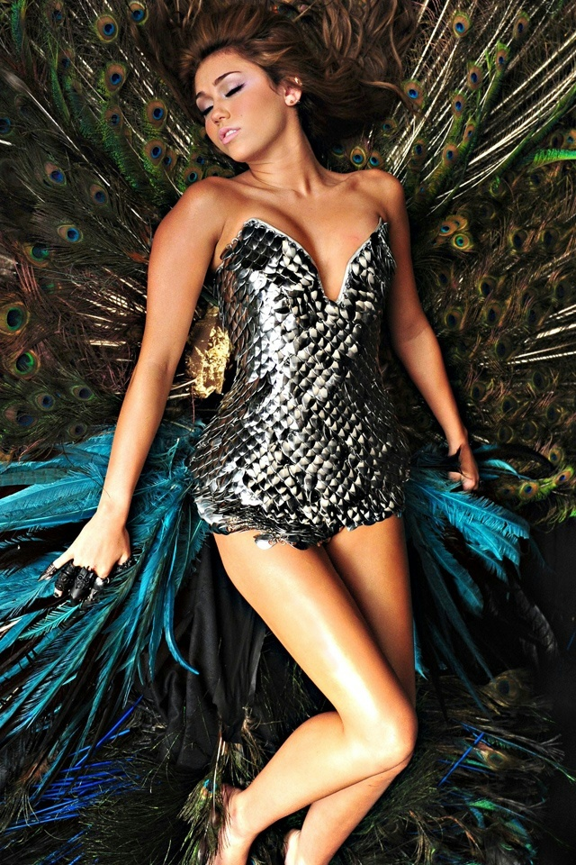 Miley Cyrus Can't Be Tamed Iphone 4 Wallpaper - Miley Cyrus Cant Be Tamed Video , HD Wallpaper & Backgrounds