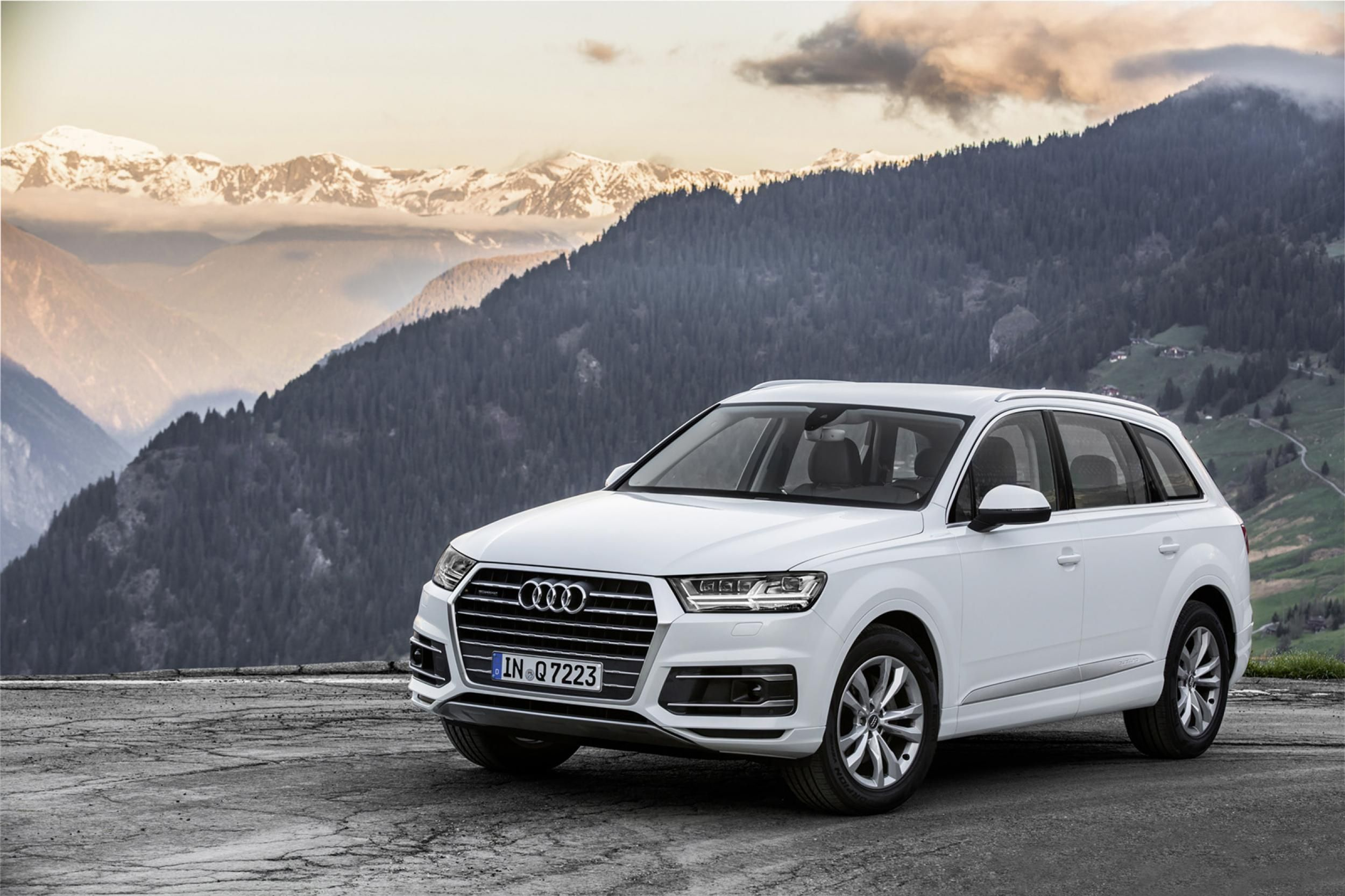 Audi Q7 2017 White 2177069 Hd Wallpaper Backgrounds