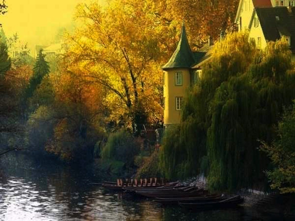 House Lake Autumn Green Home Design Red Cottage Orange - France Natural Beauty , HD Wallpaper & Backgrounds