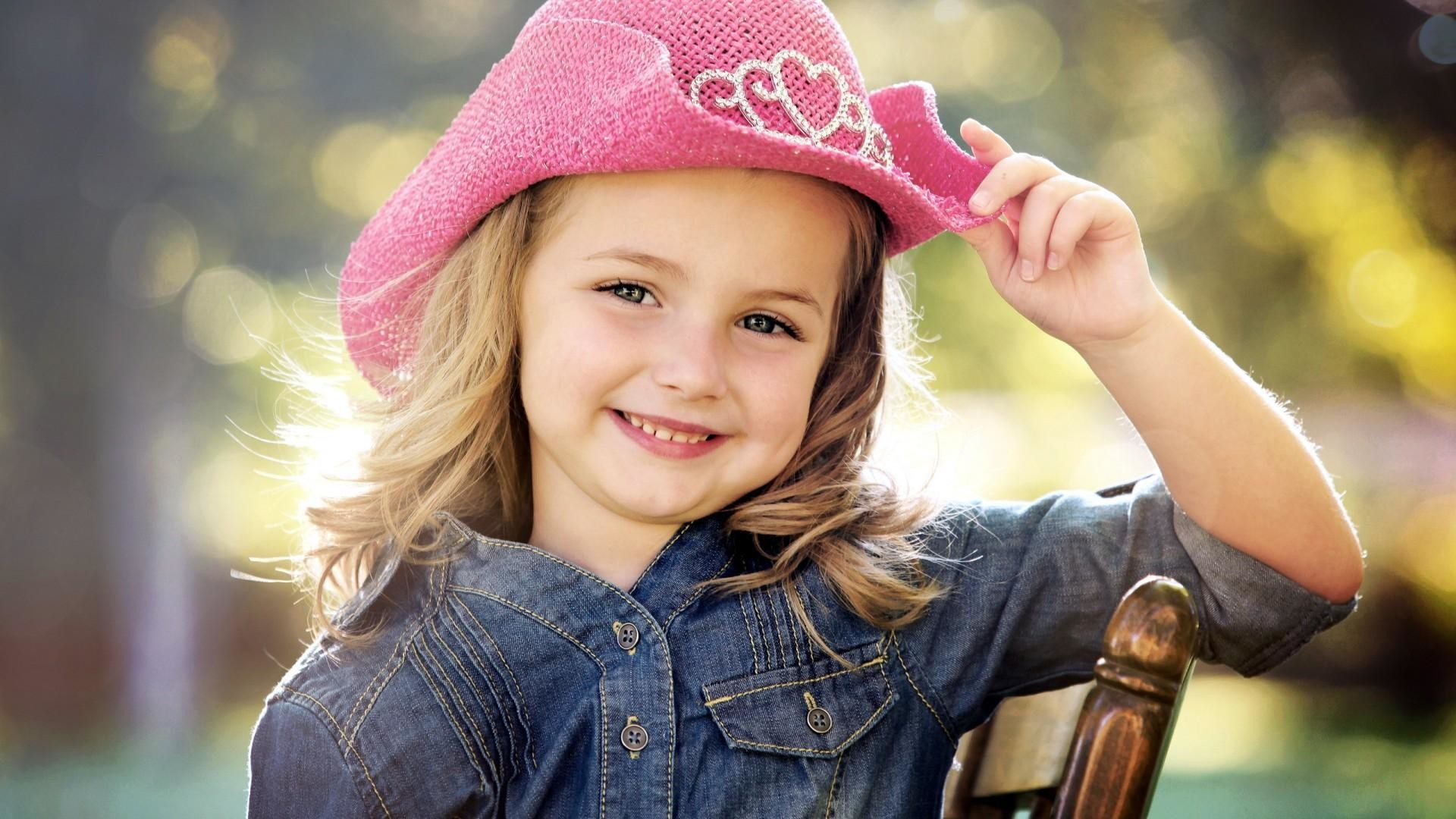 Cute Baby Girl Hd Wallpapers - Baby Girl Smiling , HD Wallpaper & Backgrounds