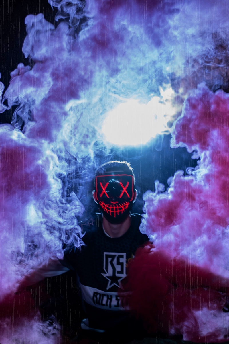 Wallpaper Man Mask Colored Smoke Anonymous Gambar Keren