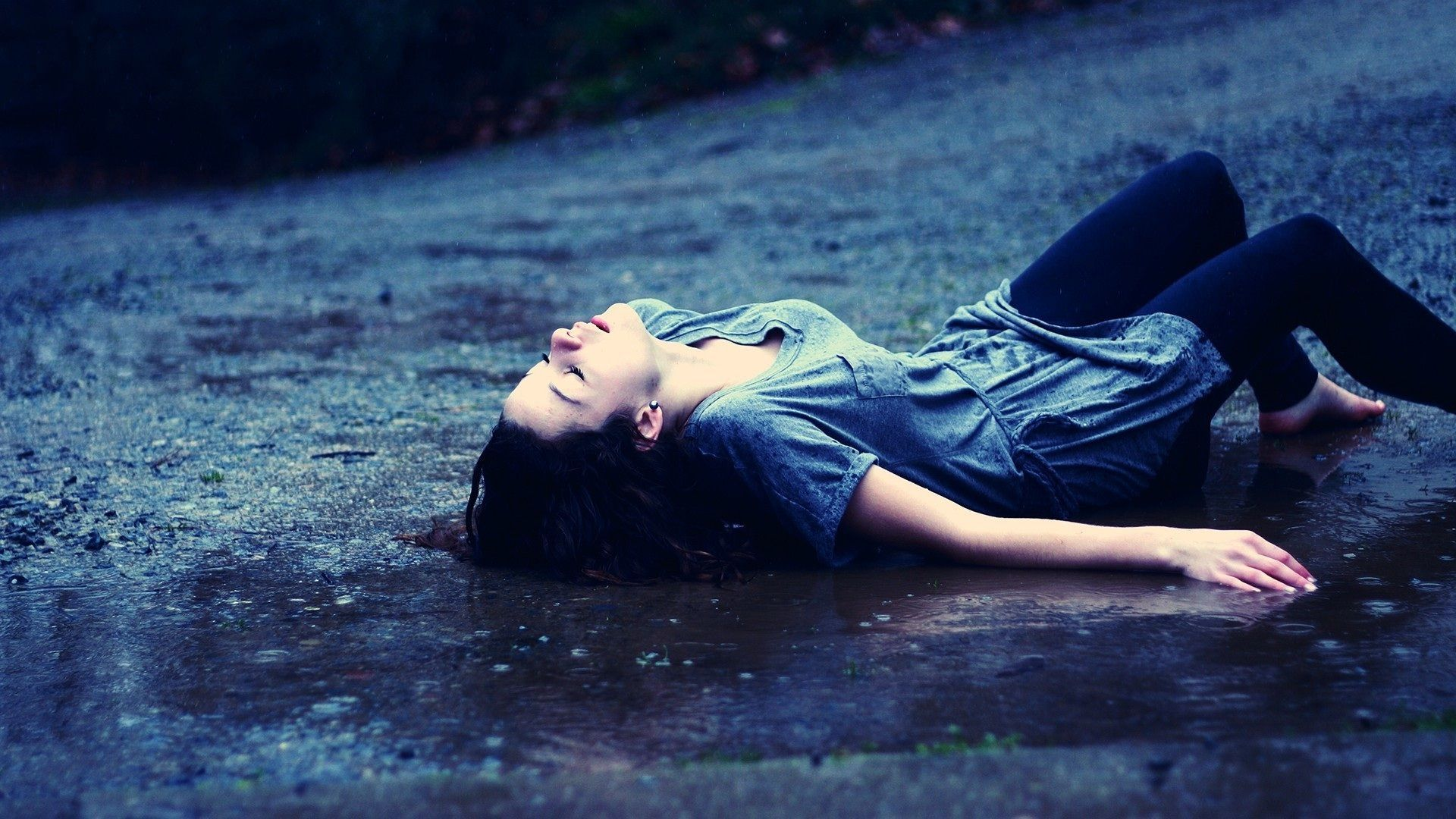 Love Breakup Hd Wallpapers Free Couple Sad Image Pics Girl Under The Rain 234258 Hd Wallpaper Backgrounds Download