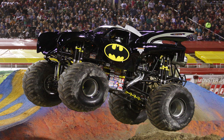 Batman The Monster Truck , HD Wallpaper & Backgrounds