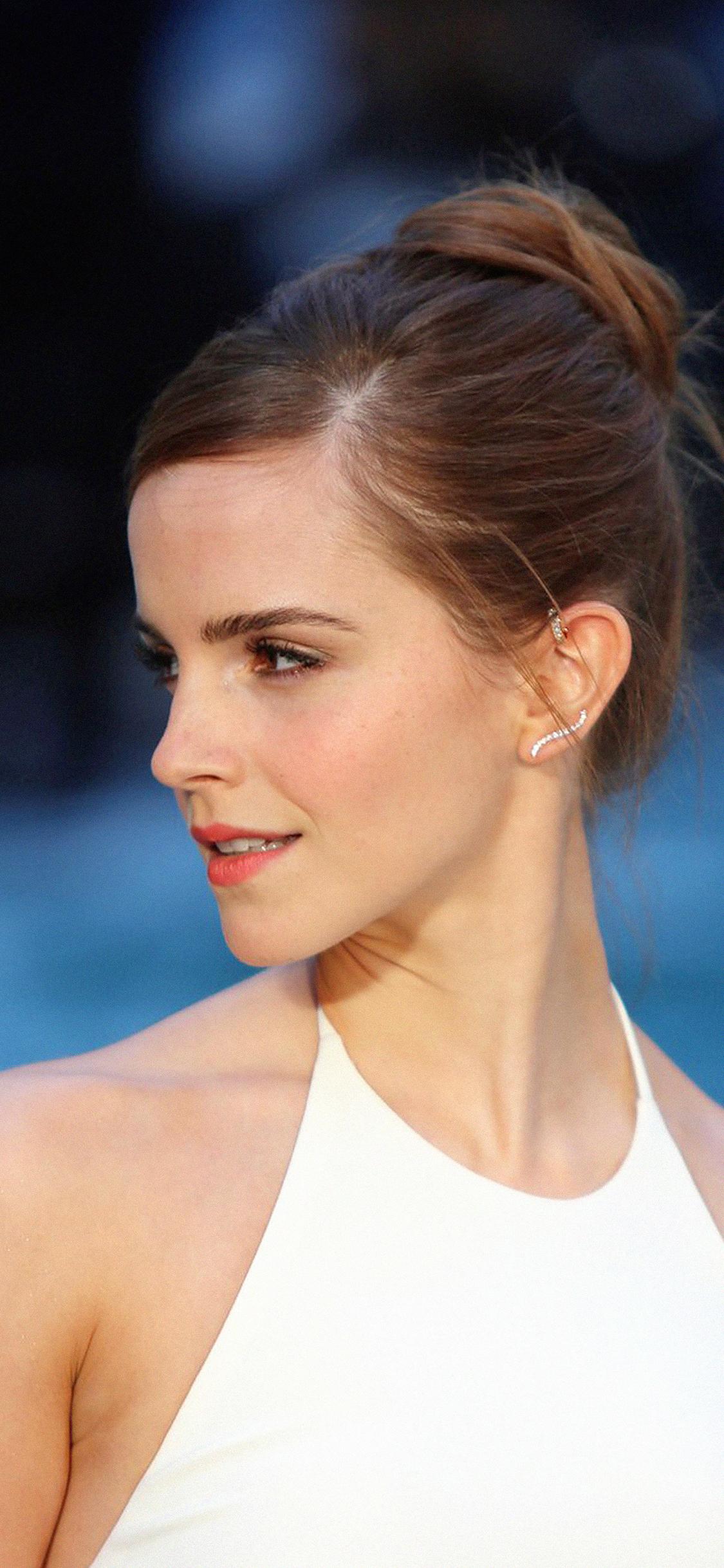828 X 1792 Iphone Xr Wallpaper Hd For 93 Emma Watson - Emma Watson , HD Wallpaper & Backgrounds