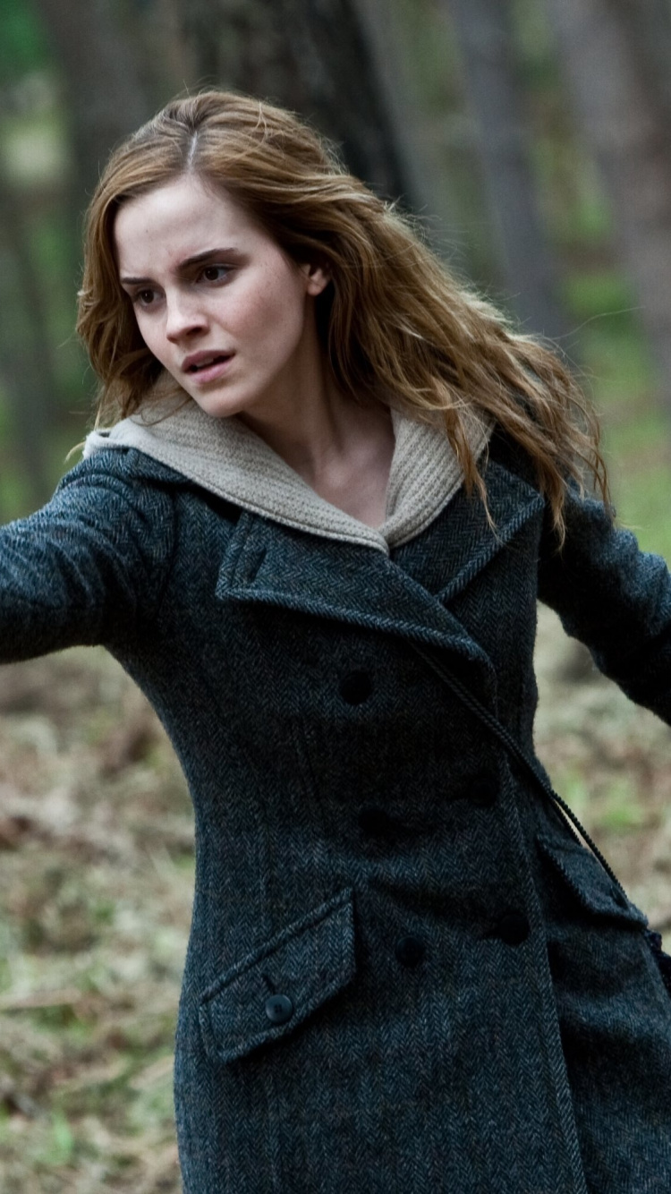 Emma Watson, Harry Potter And The Deathly Hallows Part - Hermione Granger Harry Potter 8 , HD Wallpaper & Backgrounds