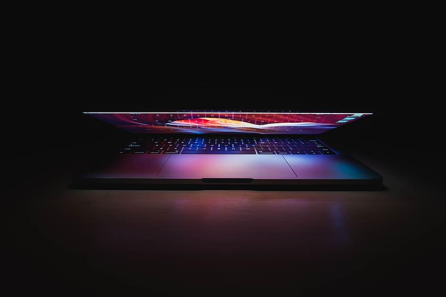 Macbook Pro Turned On, Office, Perspective, Laptop, - Apple Macbook Pro Image Dark , HD Wallpaper & Backgrounds