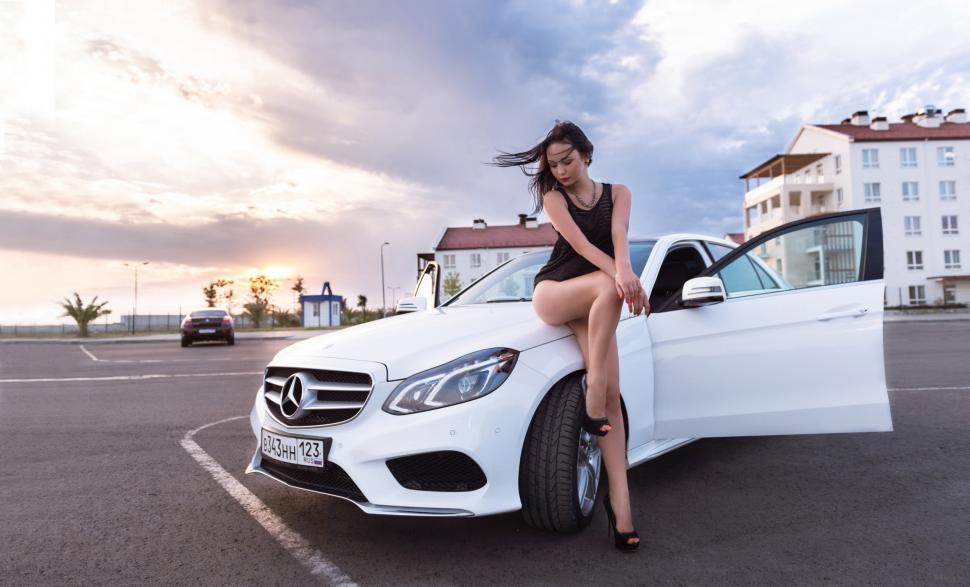 Mercedes Benz And Girl Wallpaper,girl Hd Wallpaper,white , HD Wallpaper & Backgrounds