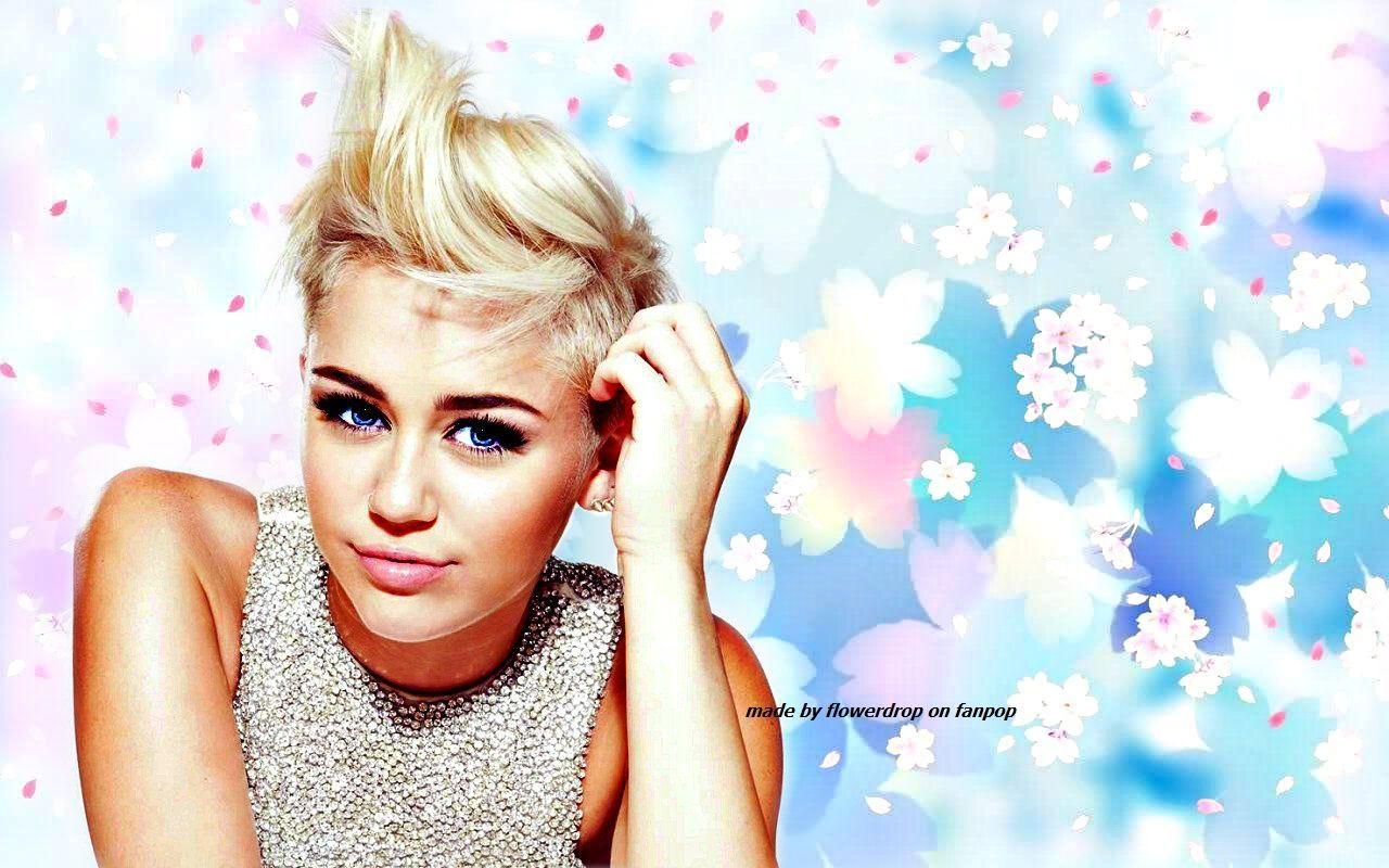 Download In Original Resolution Desktop Background Miley