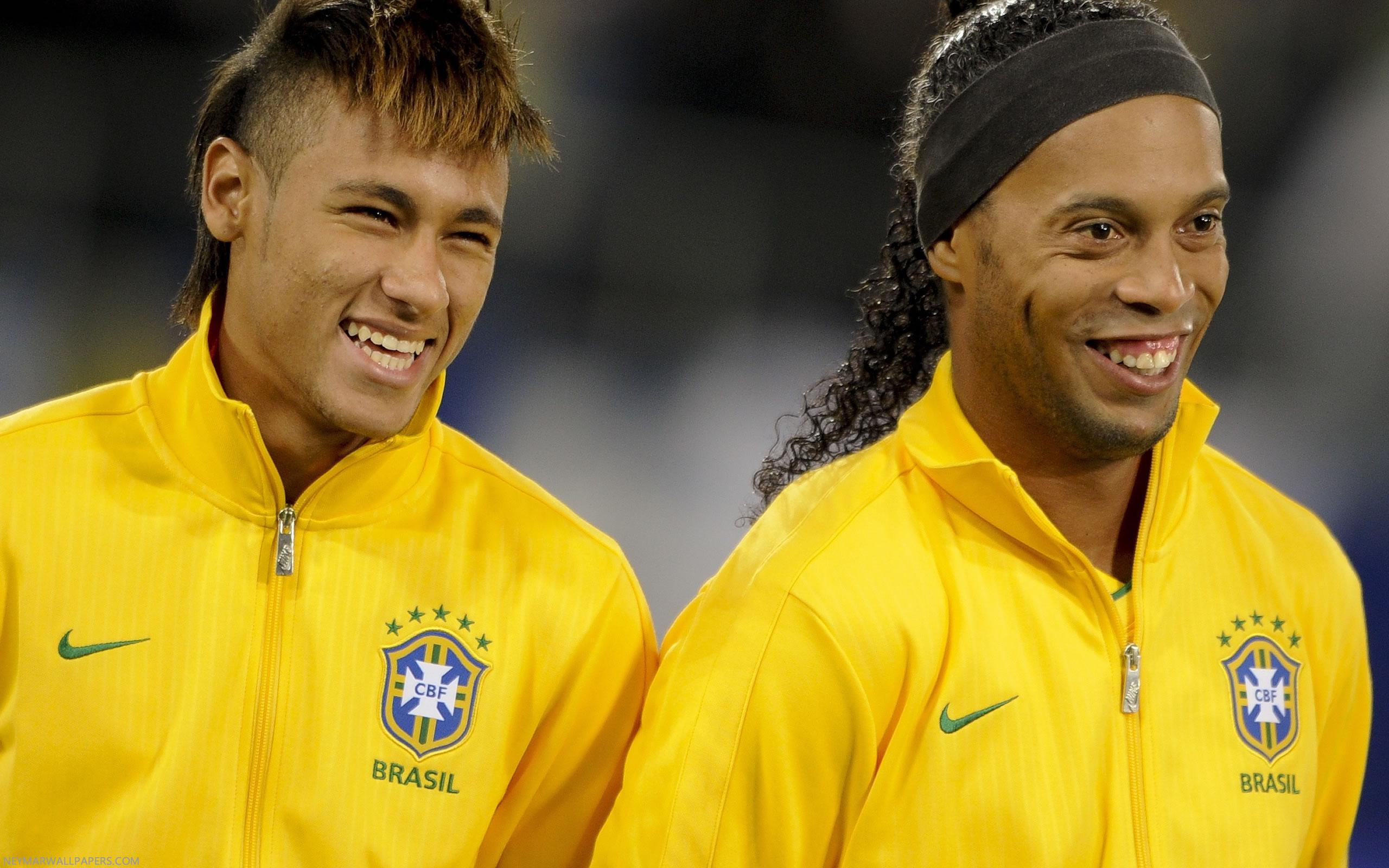 Neymar And Ronaldinho - Ronaldinho 2002 Fifa World Cup , HD Wallpaper & Backgrounds