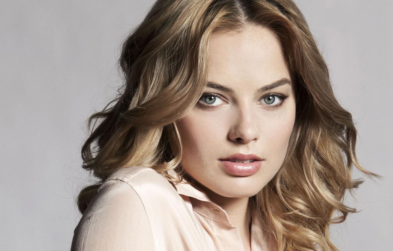 Photo Wallpaper Eyes, Look, Girl, Face, Hair, Portrait, - Margot Robbie Beautiful Face , HD Wallpaper & Backgrounds
