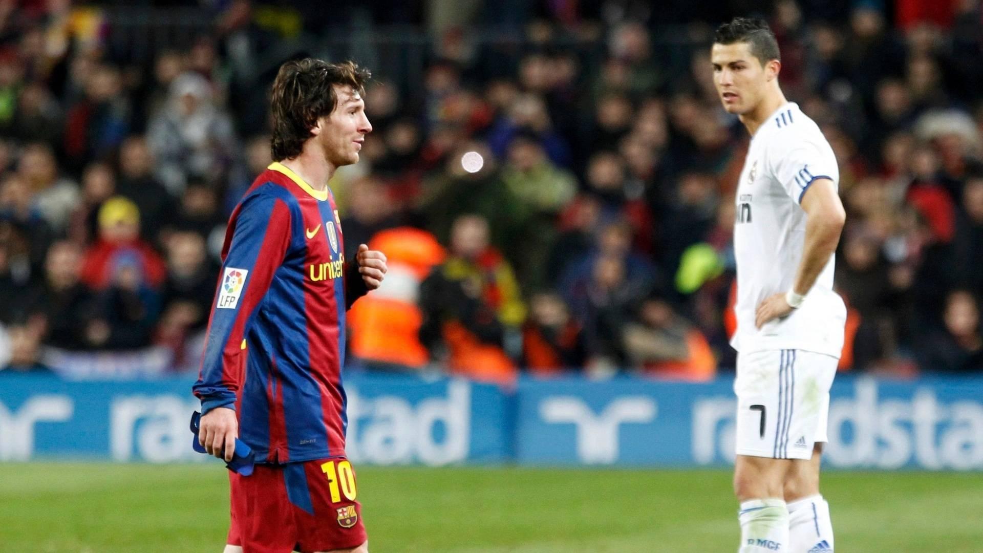 Messi Vs Ronaldo Footballers Wallpaper Hd - Vs Real Madrid 5 0 , HD Wallpaper & Backgrounds