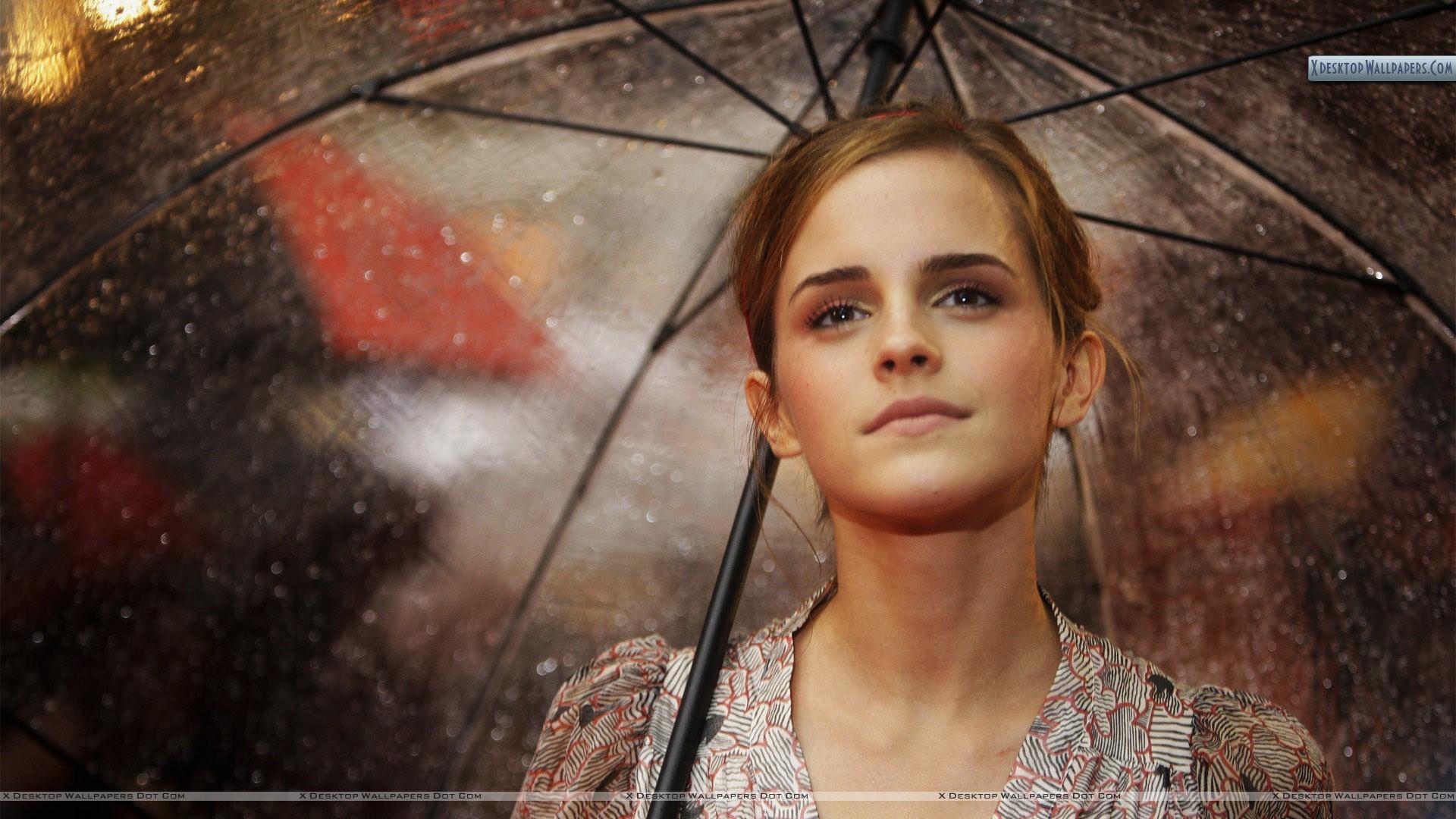 Emma Watson With Umbrella - Emma Watson , HD Wallpaper & Backgrounds