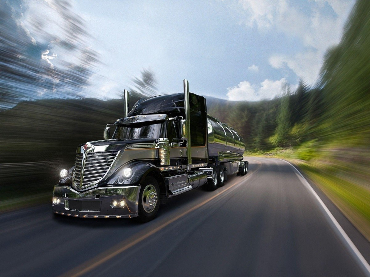 Monster Truck Wallpapers Inspirational Semi Truck Wallpapers - Semi Truck Background , HD Wallpaper & Backgrounds